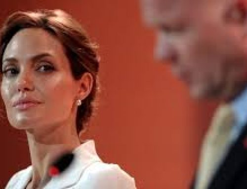 Angelina Jolie  video traducido  español rituales Snuff illuminati